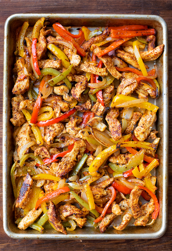 Sheet-Pan-Chicken-Fajitas-3